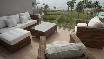 bamboo-with-ivory-cushions-copia.jpg